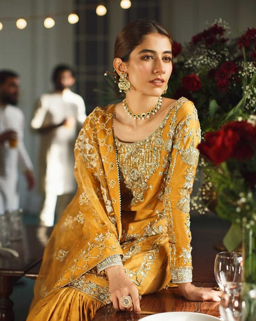 Syra Yousuf Looks Exquisite In Ismat By Faiza Saqlain