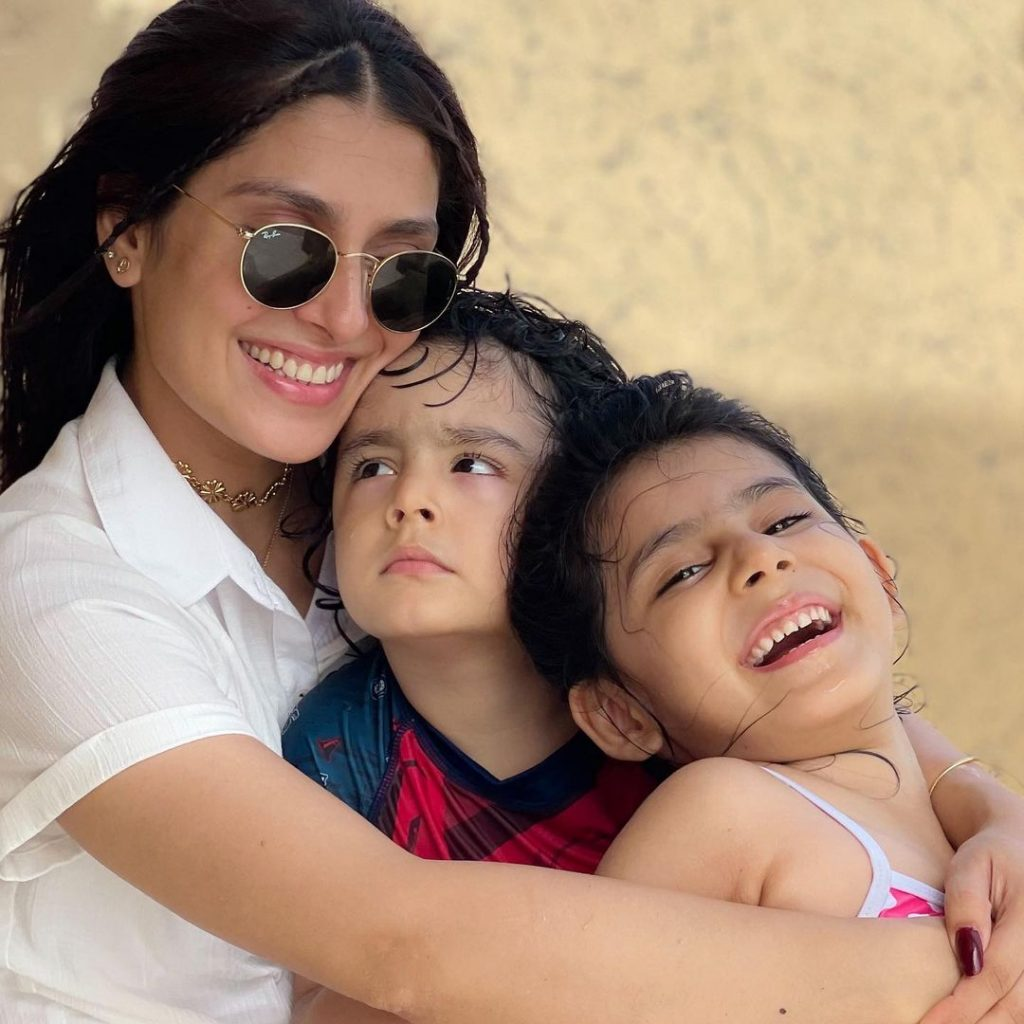 Ayeza Khan Had A Day Out With Kids