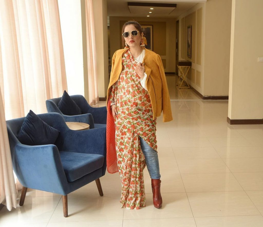 Fatima Effendi's Fashion Fusion Goes Wrong - Public Criticism