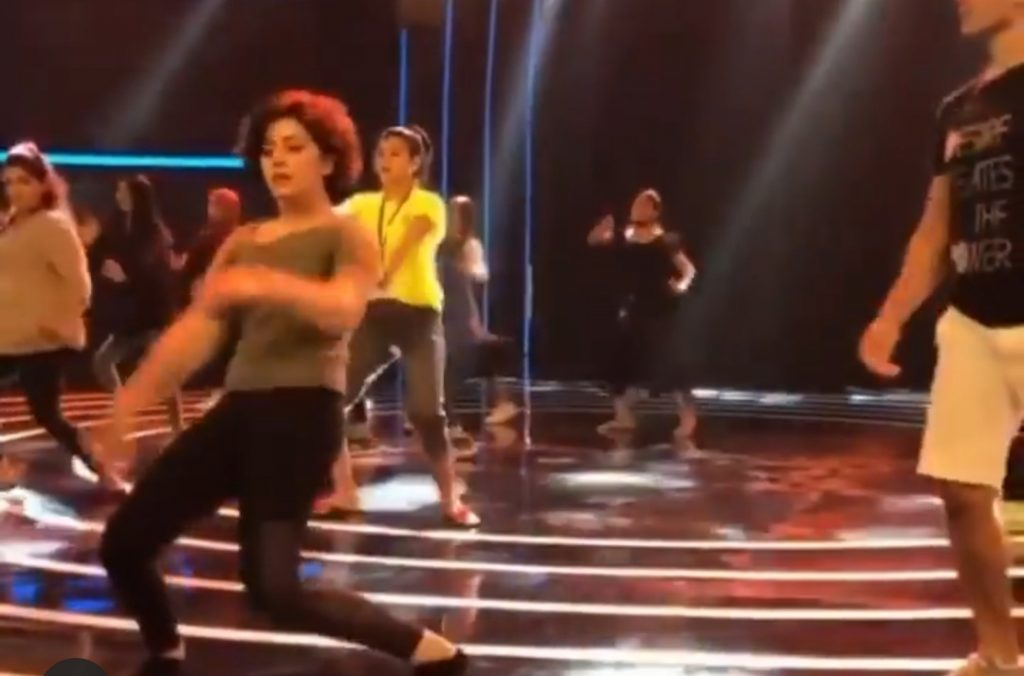 Netizens Lose Calm After Seeing Alizeh Shah's Dance Moves