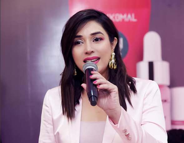 Komal Rizvi Talks About The Controversies She Came Across