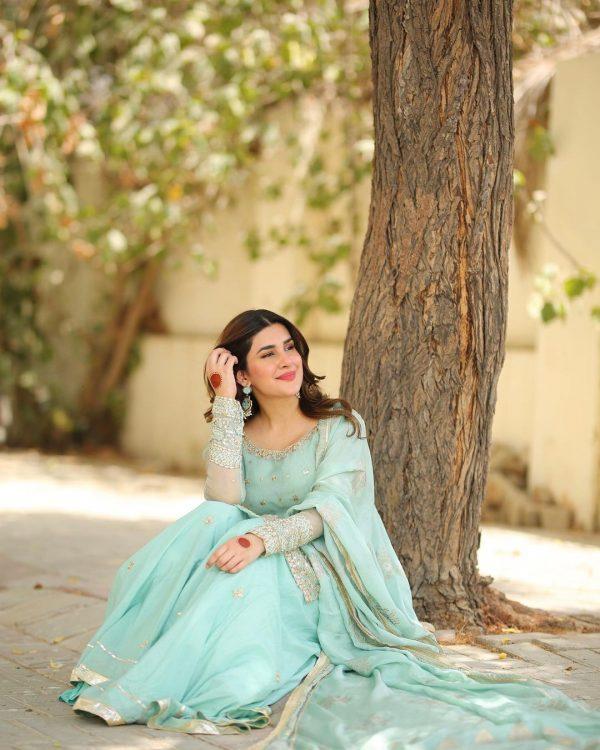 Latest Enchanting Pictures Of Kubra Khan