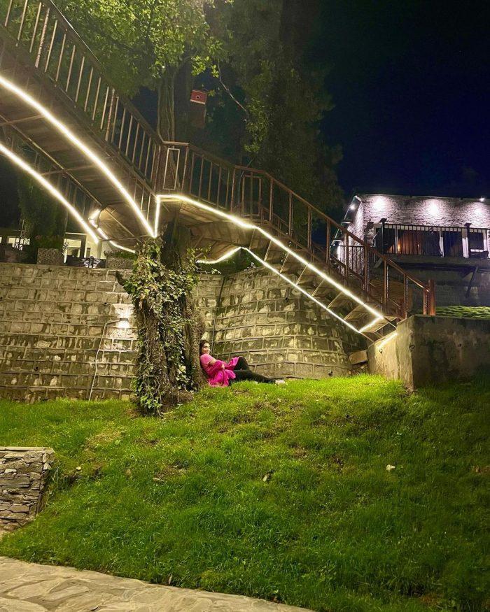Maira Khan Enjoying The Beauty Of Nature In Georgia
