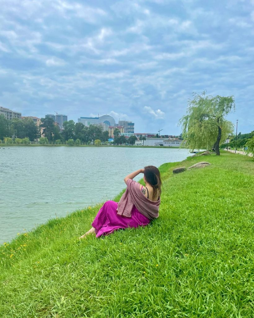 Maira Khan Beautiful Pictures From Georgia