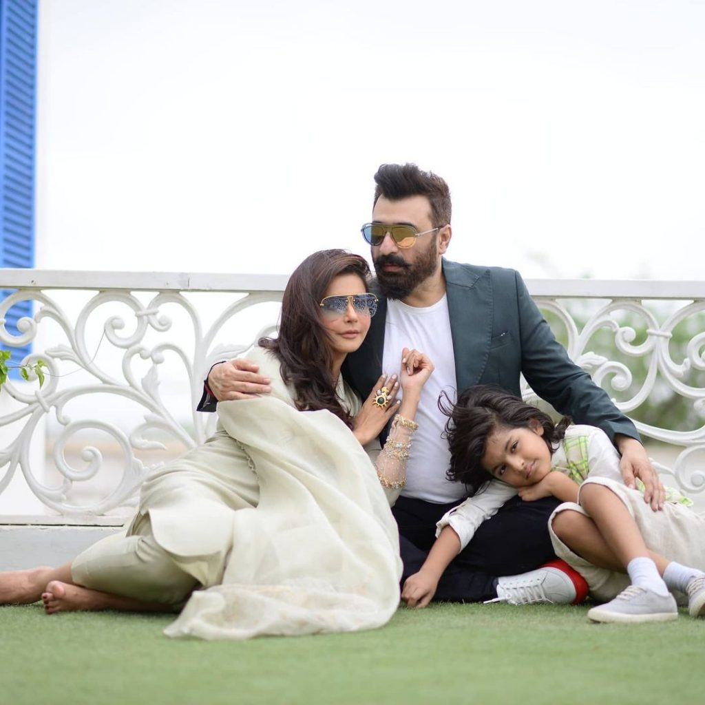 Enchanting Eid Pictures Of Nida Yasir And Family