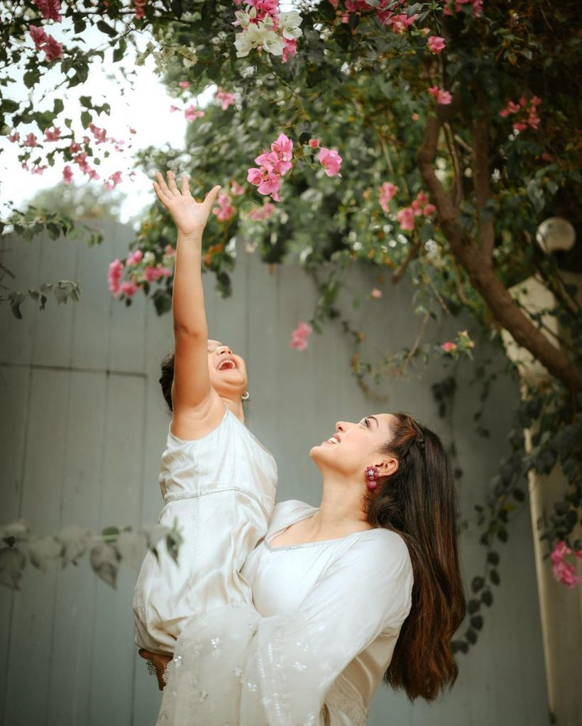 Adorable Eid Portraits Of Sanam Jung With Her Daughter