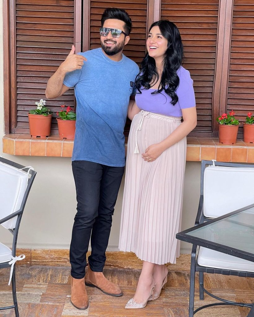 Recent Eid Pictures Of Sarah Khan And Falak Shabir Sparks Criticism
