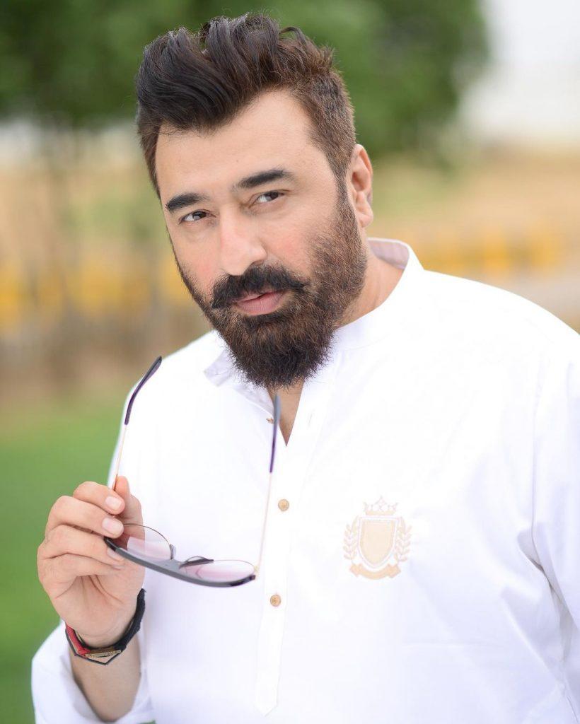 Yasir Nawaz's Family Portraits From Eid-ul-Adha Day 3