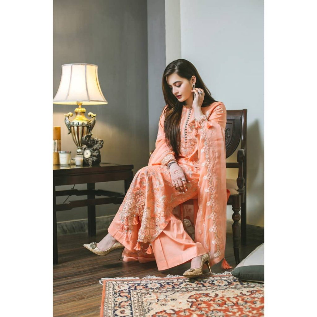 Aiman Khan Looks Refreshing In Eastern Summer Outfits
