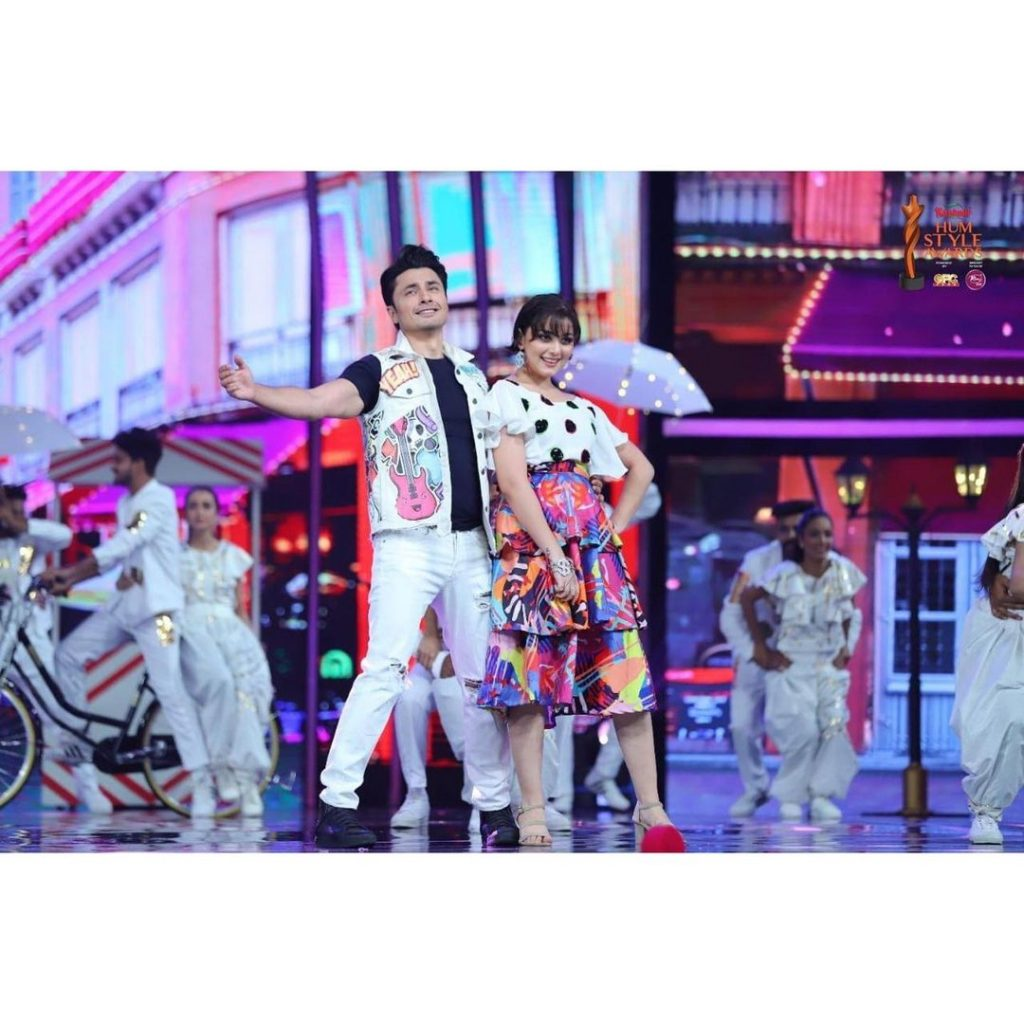 Alizeh Shah And Ali Zafar's Rocking Performance At Hum Style Awards 21