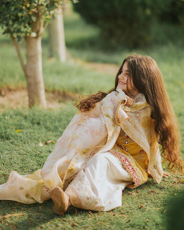 Faiza Saqlain With Her Family- Adorable Eid-Ul-Adha Photoshoot