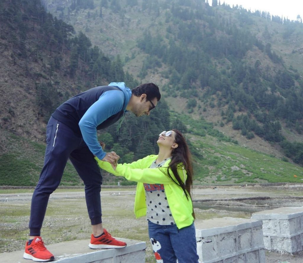 Fatima Effendi Shares Recent Pictures With Family From Northern Areas