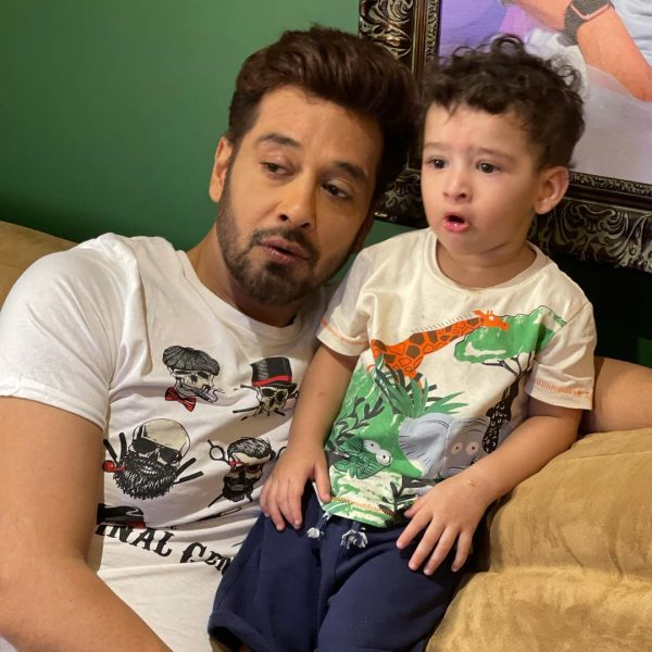Faysal Qureshi's Adorable Family Pictures