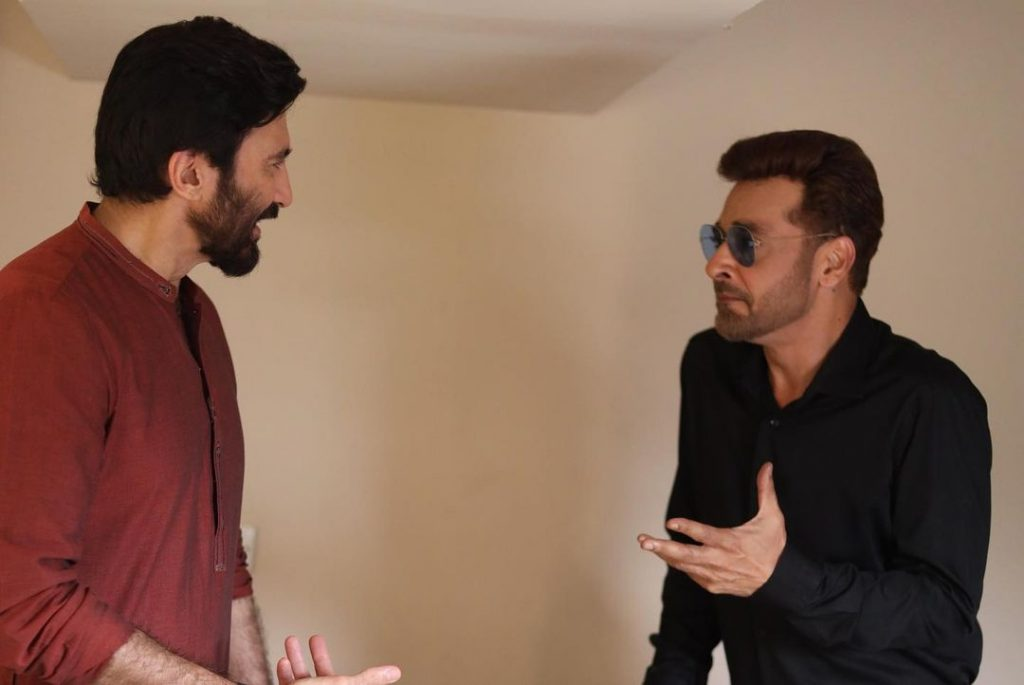 "Aijaz Aslam, Faysal Quraishi And Mahnoor Baloch On The Set Of Their Upcoming Telefilm ""Ghan Chakkar"""