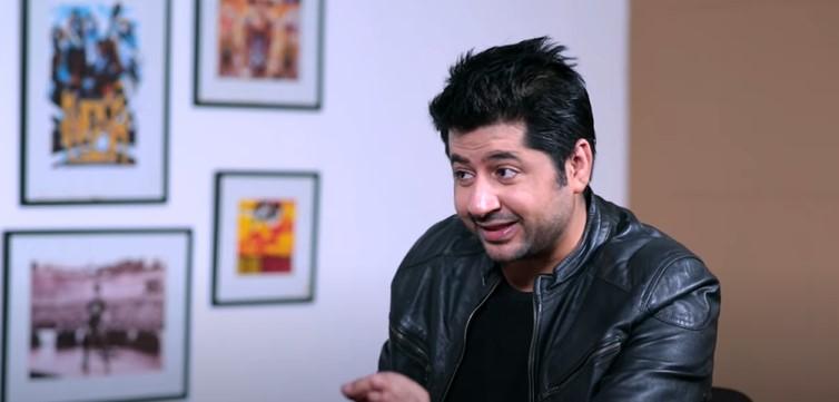 Watch Imran Ashraf Sing Your Favorite Songs
