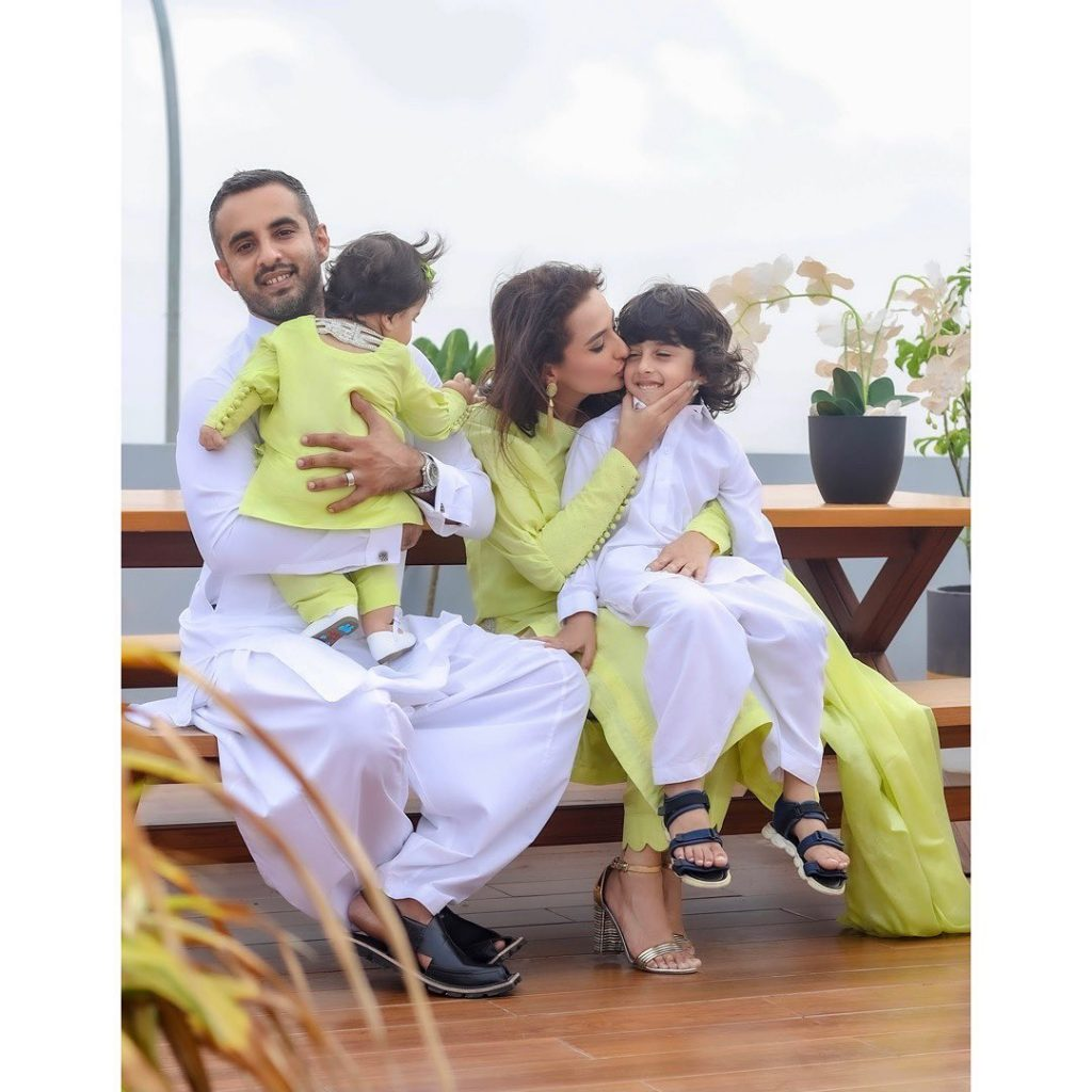 Alluring Eid Pictures Of Momal Sheikh With Her Family