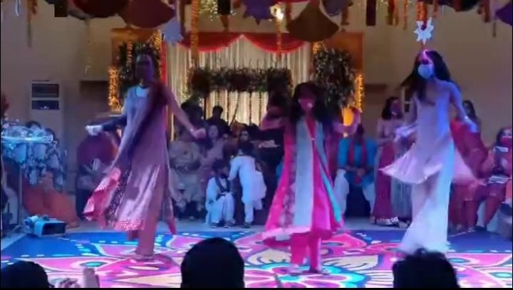 Nadia Hussain Dancing With Her Daughters Is The Most Adorable Thing Ever