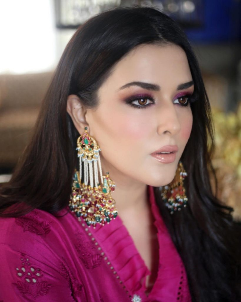 Natasha Ali Looked Spellbinding In Fuchsia-Colored Dress With Her Daughter