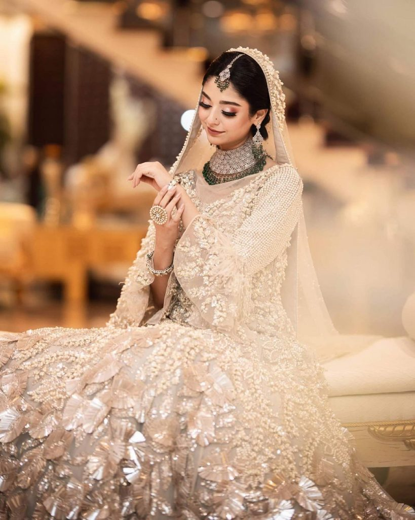 Noor Zafar Khan Looks Like A Vision To Behold In Recent Photoshoot