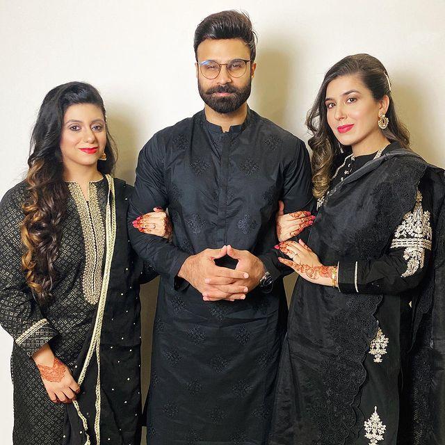 Rahim Pardesi And Family Enjoying Eid Dinner Hosted By Shahveer Jaffery