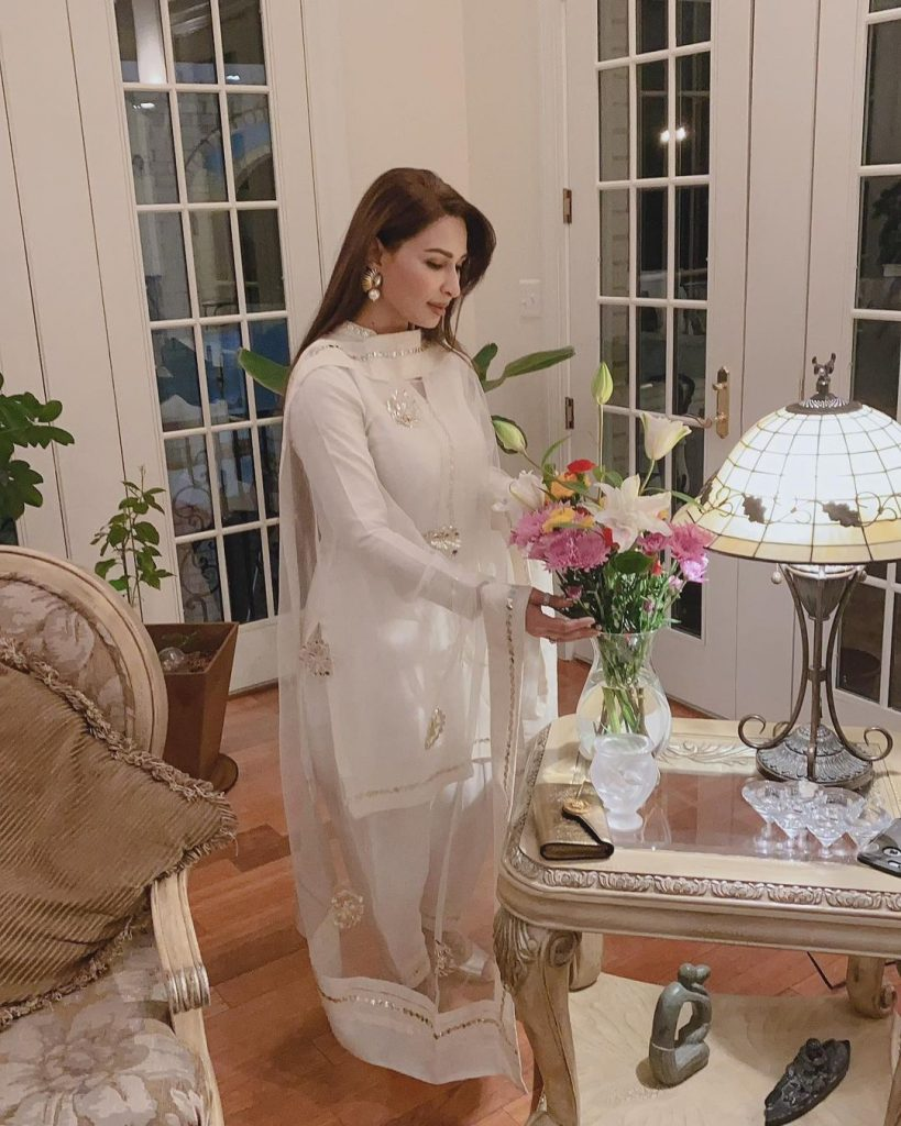 Enchanting Pictures of Reema Khan From Her Beautiful House