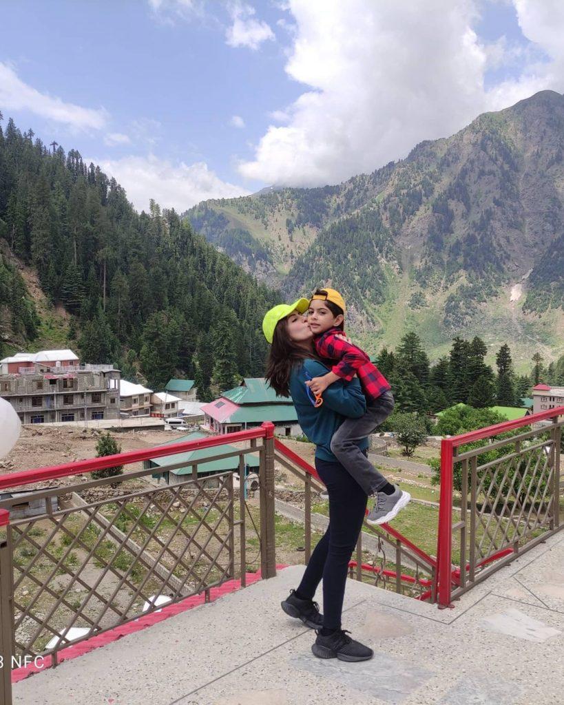 Sadia Faisal And Family Enjoying Vacations In Naran