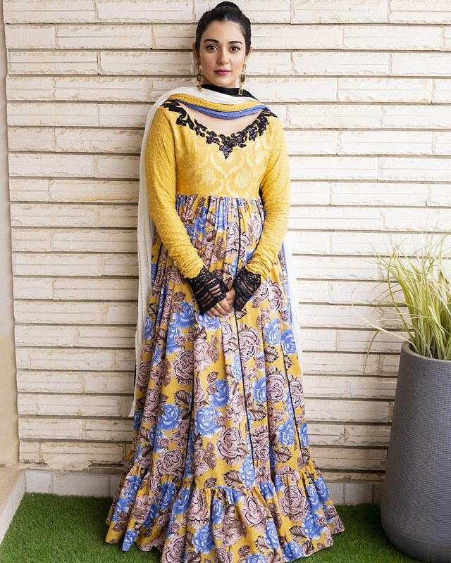 Keyboard Brigade Criticized Sarah Khan's Latest Maternity Outfit