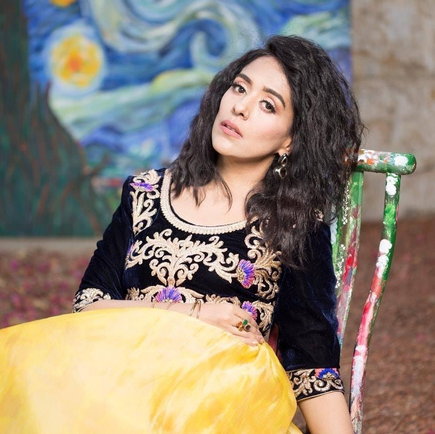 Yasra Rizvi Shuts Aadi For Body Shaming A Colleague