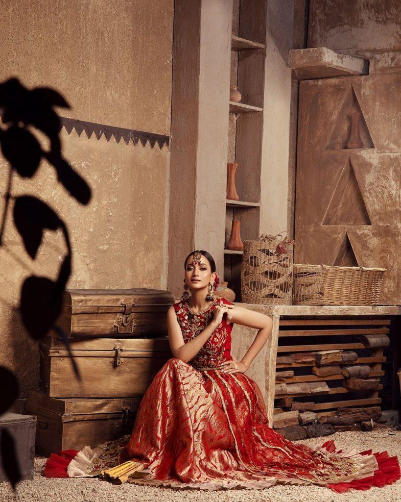 Zarnish Khan Looks Regal In Gorgeous Red Bridal Ensemble
