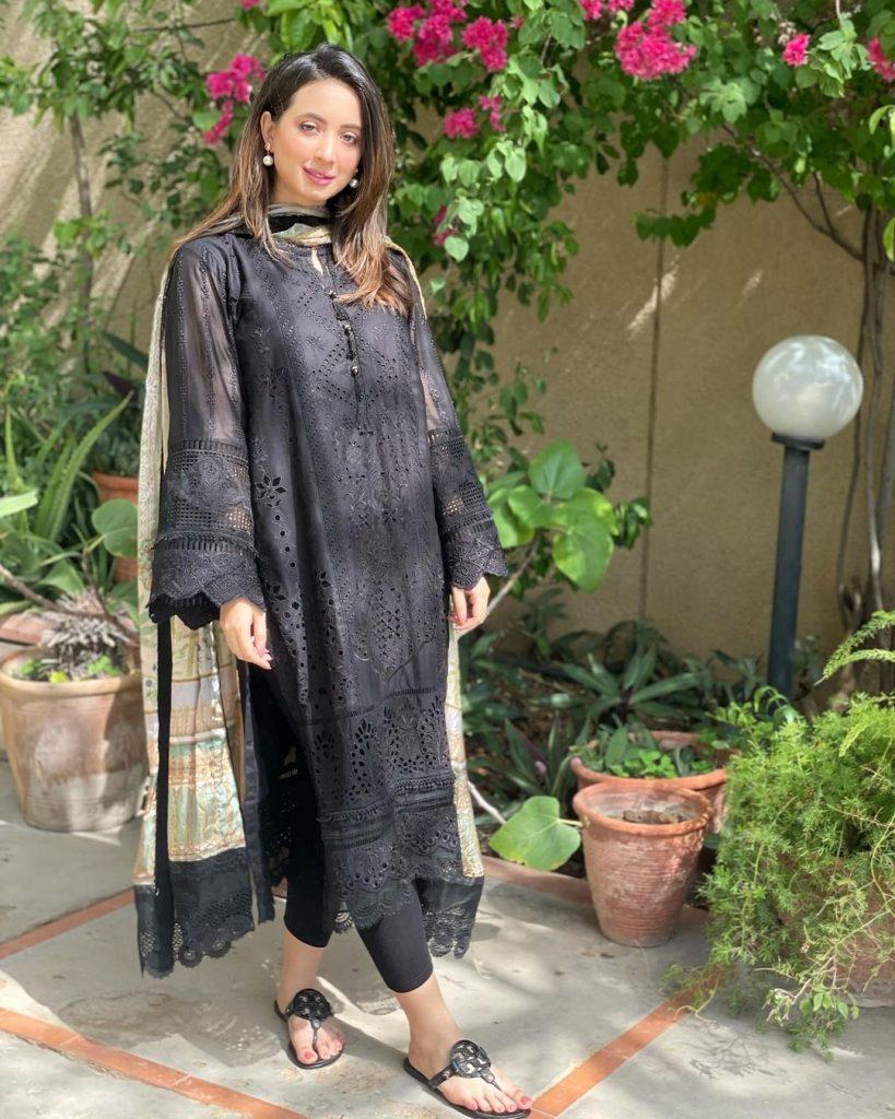 Latest Enchanting Pictures Of Komal Aziz Khan