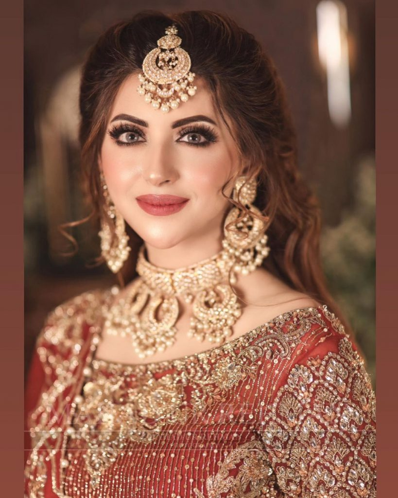 Moomal Khalid Nails Ethereal Beauty In Her Latest Bridal Shoot