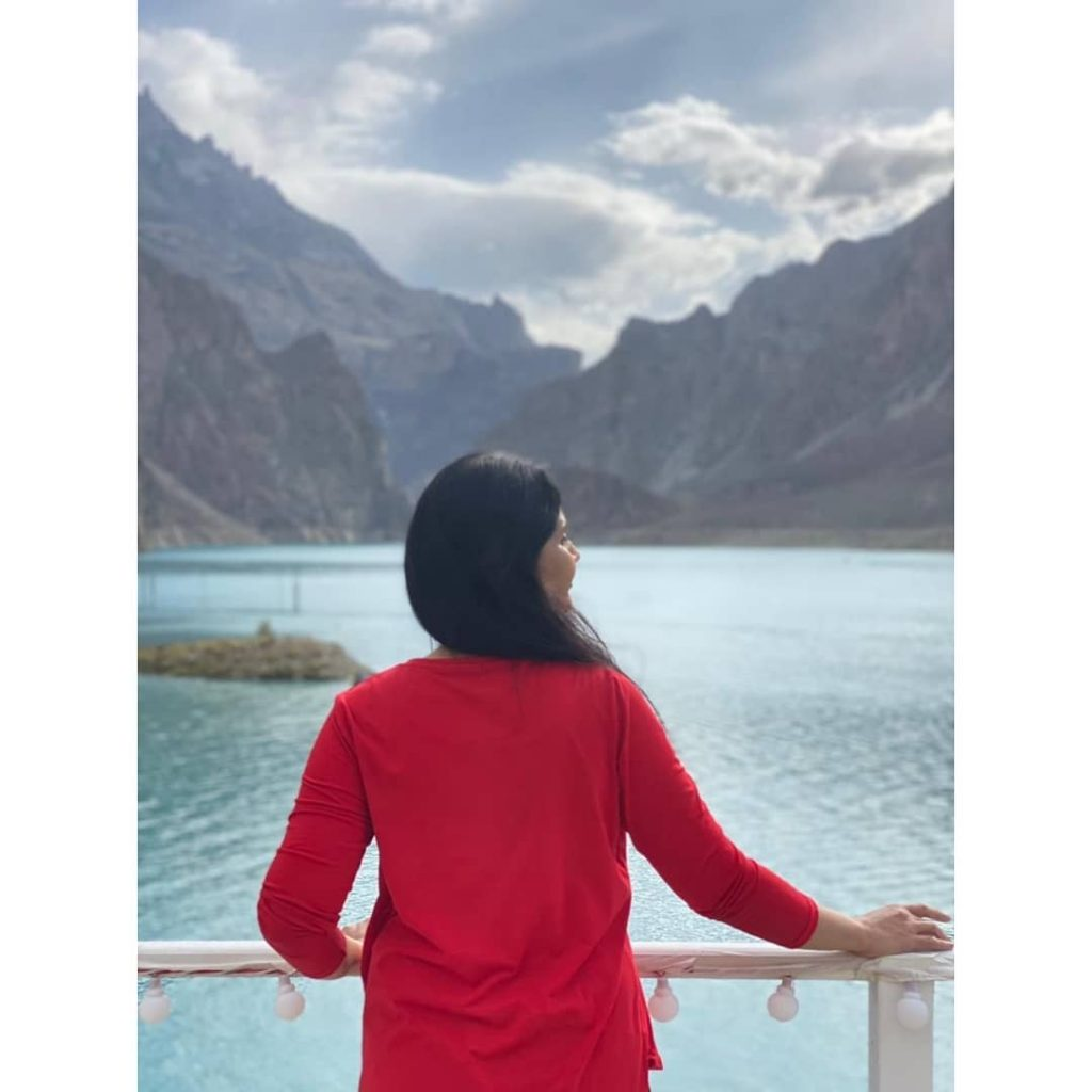 Actress Munazzah Arif Enjoying The Beauty Of Nature In Northern Areas Of Pakistan