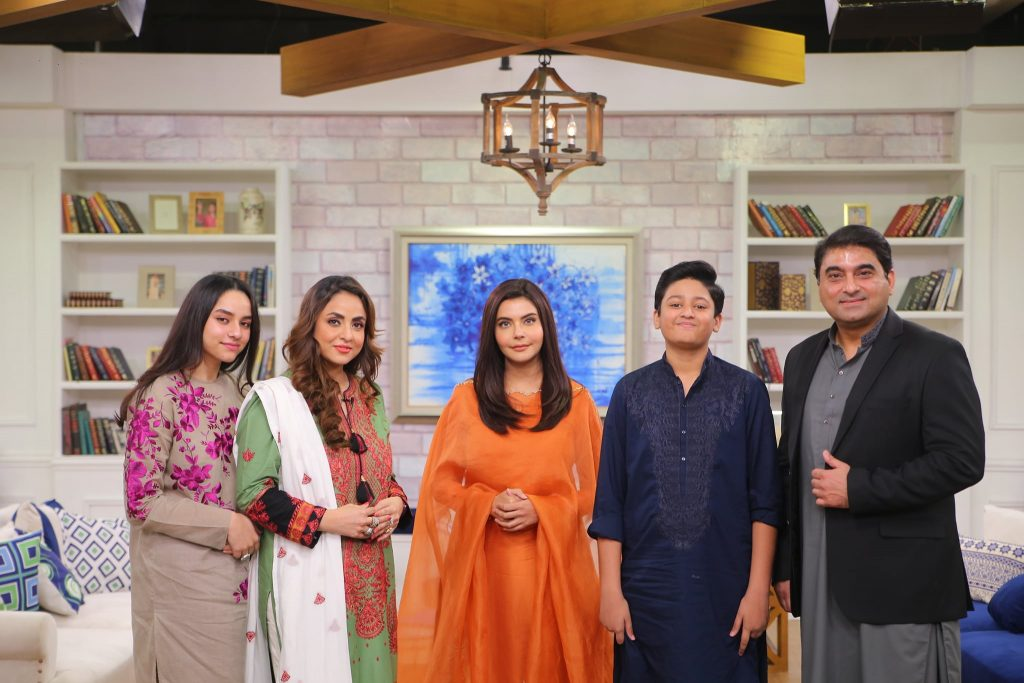 Beautiful Pictures Of Nadia Khan And Family From The Set Of GMP