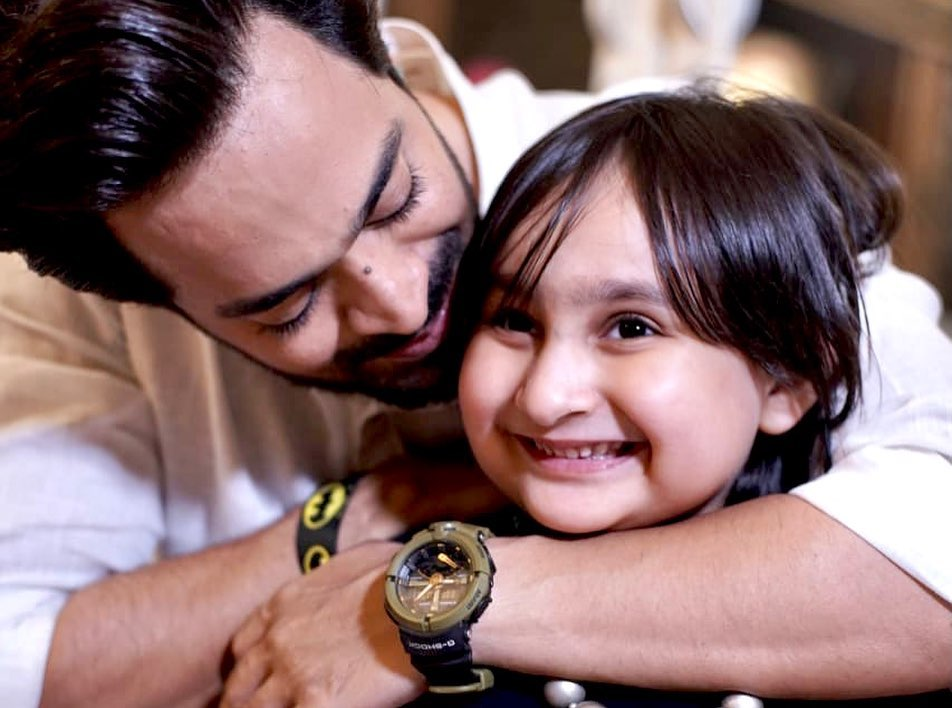 Naveed Raza Shares An Adorable Birthday Note For His Daughter