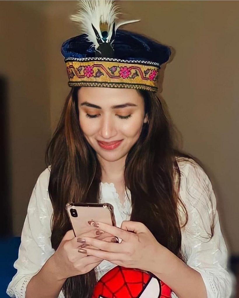 Pakistani Actresses Wearing Traditional Statement Jewelry