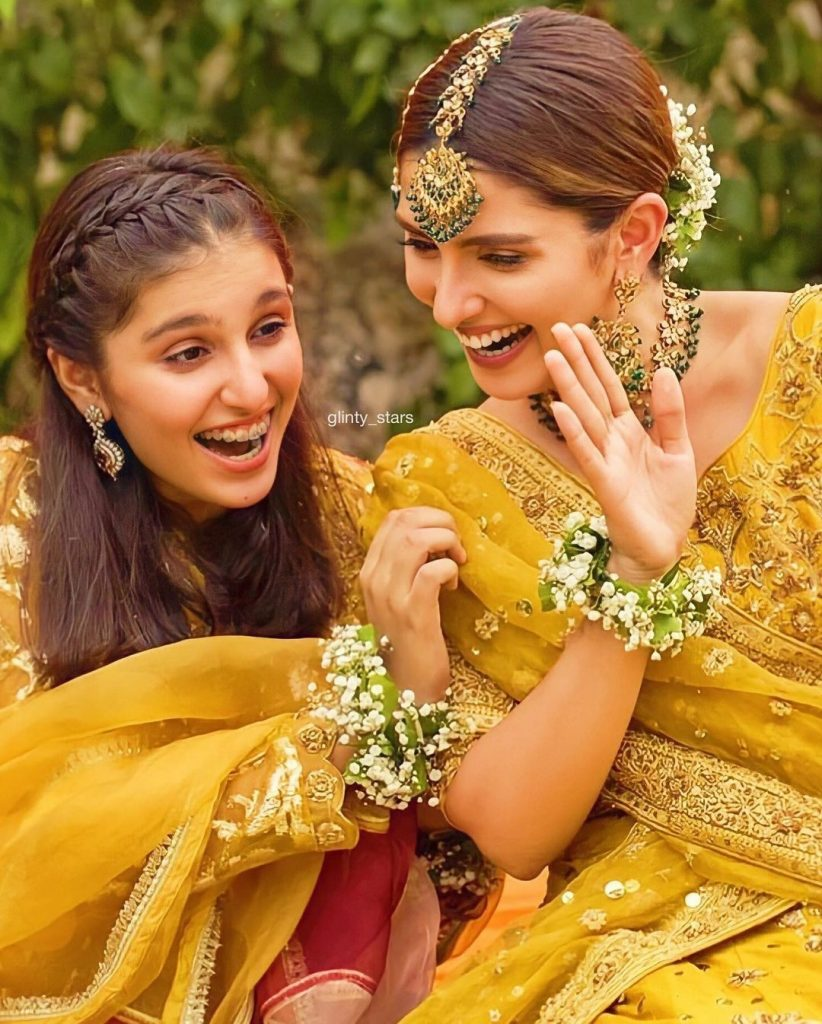 Pakistani Actresses With Their Pretty Sisters