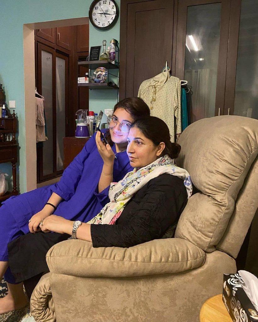 Shagufta Ejaz Casual Family Clicks