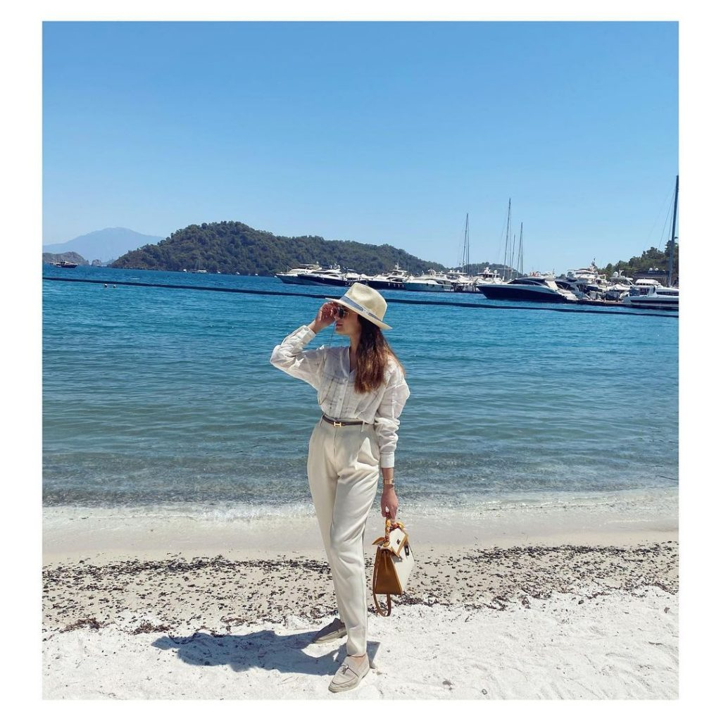 Alyzeh Gabol Bewitching Pictures From Vacations