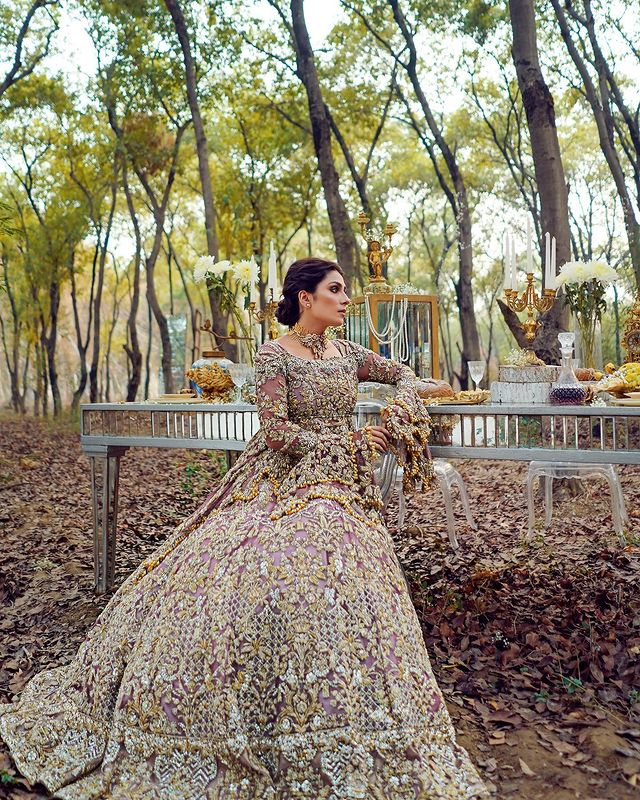 Ayeza Khan Looks Alluring As A Modern Bride In Her Latest Shoot