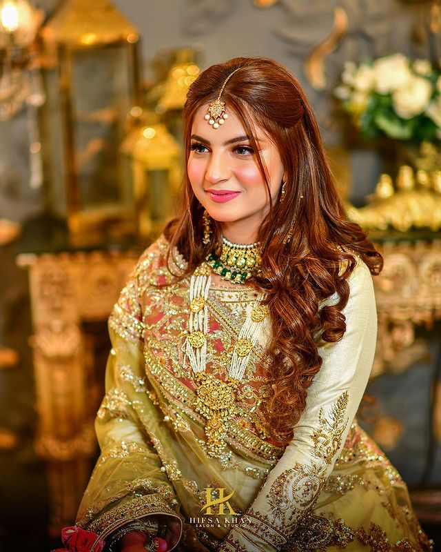 Dananeer Mobeen Turns Heads In A Dreamy Bridal Shoot