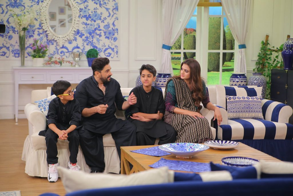 Hira Mani Spotted At GMP With Husband, Children And Brothers