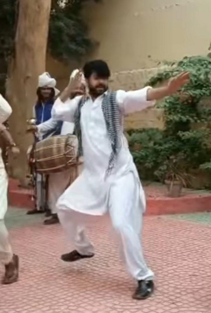 Imran Ashraf's Hilarious Dance From the Set Of Raqs-e-Bismil - Celebrities' Reaction
