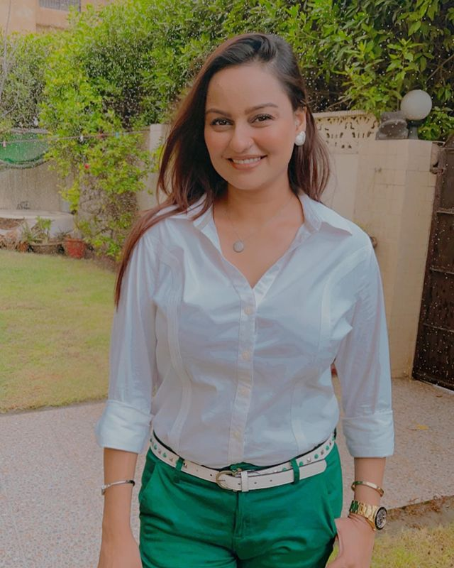 Juvaria Abbasi Under Fire For Her Recent Outfit Choice