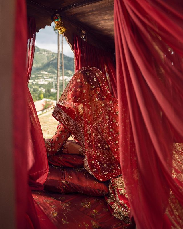 Mahira Khan Dazzles As A Traditional Bride In Red