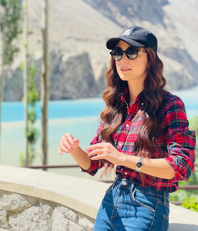 Maya Ali Shares Adorable Pictures from Attabad Lake