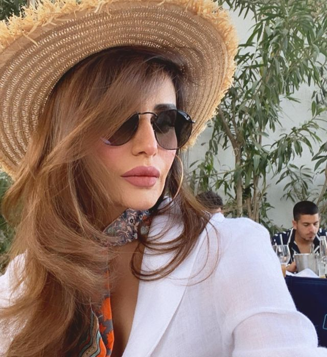 Mehreen Syed Celebrates Her Birthday In Greece With Friends