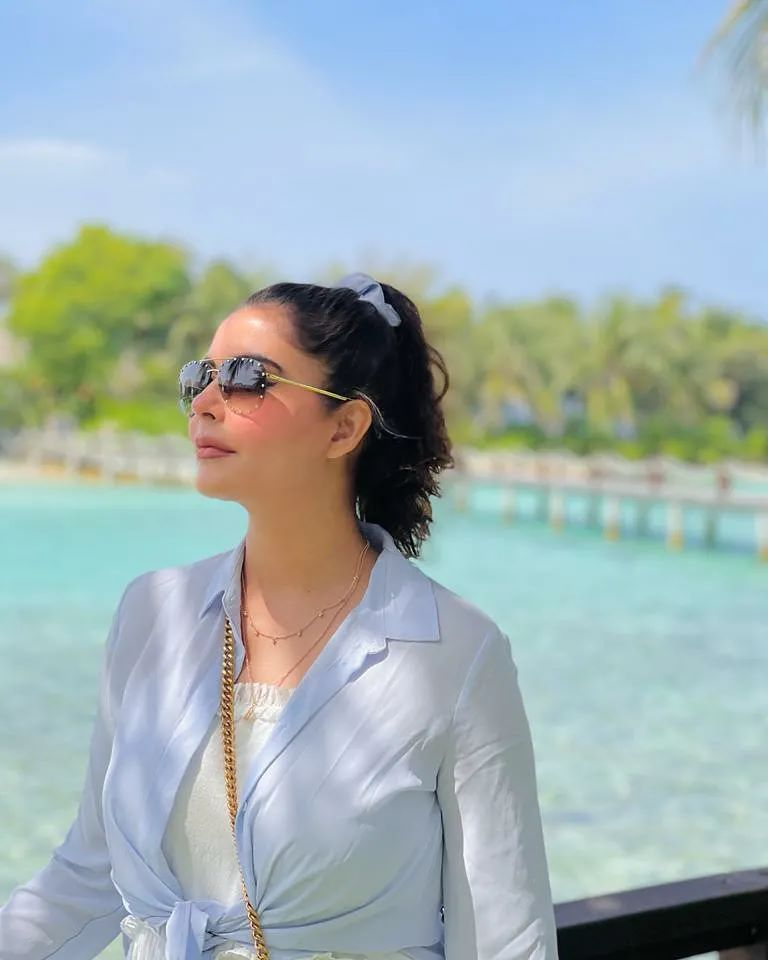 Adorable Picture From Nida Yasir's Vacay Spree In Maldives