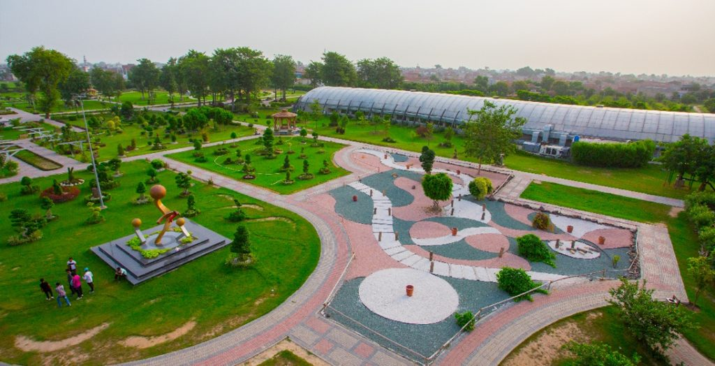 Ban On TikTokers And Social Media Influencers To Enter The Parks In Punjab