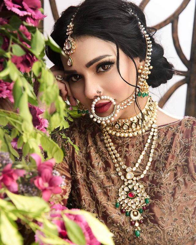 Sara Loren Flaunts Elegance In Exquisite Bridal Ensembles