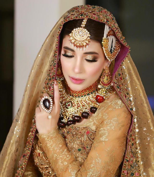 Urwa Hocane Looks Drop Dead Gorgeous In Traditional Bridal Attires